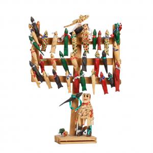 """""""Árvore de Pássaros"""", Ti Guilhermina, 2000, Madeira, tintas e tecidos"""