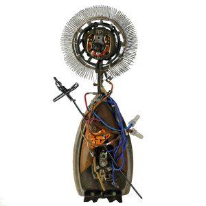 """Santo da Luz Eléctrica"", 2017, madeira, tintas, diversos, 14x38x8cm [INDISPONÍVEL/UNAVAILABLE]"