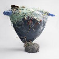 """Mana Baleia"", tela, vidro, rede, conchas, 44x32x15cm"