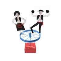 """""""Dançarinos na Roda"""", 2018, chapa metálica, roda, madeira pintadas, 53x68x32cm [COLECÇÃO CRUZES CANHOTO]"""