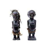 "Luba, ""Casal Hemba"", R. D. Congo, Séc. XX, Madeira, corda, têxteis, 6x21x9cm"