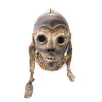 """Dan, """"Máscara"""", Costa do Marfim ou Libéria, Séc. XX, Madeira, palha, tecido, 17x42x10cm"""