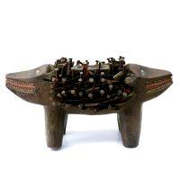 "Kongo, ""Figura Fetiche Nkisi Kozo"", R.D. Congo, século XX, madeira, pregos, tecido, vidro, 34x16x18cm"