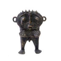 "Tikar, ""Figura Masculina"", Camarões, Séc. XX, Bronze, 10x14x4cm"