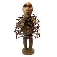 "Kongo, ""Figura Fetiche Nkisi Nkondi"", R.D. Congo, século XX, madeira, tecido, pregos, 15x32x16cm"