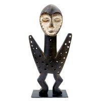 """Lega, """"Figura"""", R.D. Congo, século XX, madeira, pigmento natural, 20x40x8cm"""