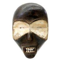 """Ibibio, """"Máscara"""", Nigéria, século XX, madeira, pigmento natural, 17x26x10cm"""