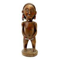 "Ovimbundu, ""Figura Efuka"", Angola, século XX, madeira, contas, 9x29x10cm"