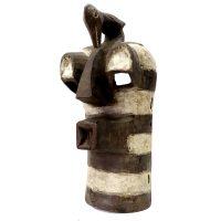 """Songye, """"Máscara com Pássaro"""", R.D. Congo, século XX, madeira, pigmento natural, 18x43x20cm"""