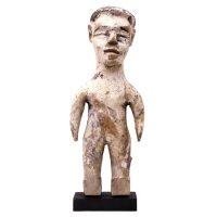 """Ewe, """"Boneco Gemelar Venavi"""", Gana, Togo ou Benim, século XX, madeira, vestígios de pigmentos branco e azul, 8x21x5cm"""