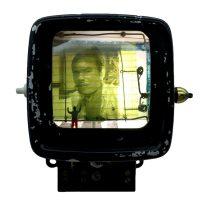 """""""Bipolar II"""", 2019, contador eléctrico, instalação eléctrica, fotografias, outros, 15x16x10cm"""