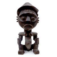 """""""Figura"""", Tikar ou Mambila, Camarões, século XX, madeira, 13x28x14cm"""