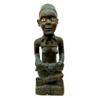 """Figura da Maternidade"", Yombe, Kongo, R.D. Congo, século XX, madeira, 16x46x14cm"