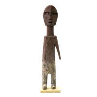 Figura Aklama, Adangbe, Gana, Séc. XX, madeira, pigmentos, 5x25x2cm – REF CCAK20-011