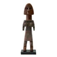Figura Aklama, Adangbe, Gana, Séc. XX, madeira, pigmentos, 5x20x2cm – REF CCAK20-020