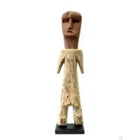 Figura Aklama, Adangbe, Gana, Séc. XX, madeira, pigmentos, 6x26x6cm – REF CCAK20-003