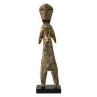 Figura Aklama, Adangbe, Gana, Séc. XX, madeira, pigmentos, 4x21x2cm – REF CCAK20-038
