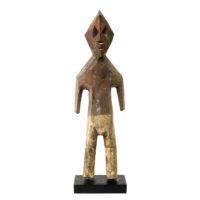 Figura Aklama, Adangbe, Gana, Séc. XX, madeira, pigmentos, 7x20x4cm – REF CCAK20-046