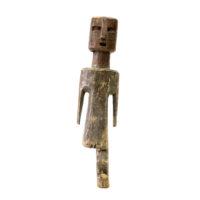 Figura Aklama, Adangbe, Gana, Séc. XX, madeira, pigmentos, 6x22x3cm – REF CCAK20-051