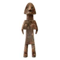 Figura Aklama, Adangbe, Gana, Séc. XX, madeira, pigmentos, 6x20x3cm – REF CCAK20-089