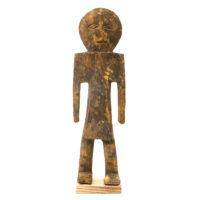 Figura Aklama, Adangbe, Gana, Séc. XX, madeira, pigmentos, 6x20x3cm – REF CCAK20-066