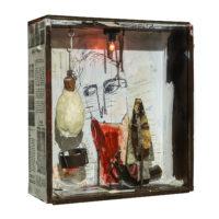 """""""Sem título"""", acrílico sobre assemblage de objectos vários e instalação eléctrica sobre caixa, 30x32x11cm"""