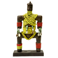 Boneca de Fertilidade, Namji, Camarões, Séc. XX, madeira, conchas, contas, 15x27x7cm – REF CC20-095 [INDISPONÍVEL / UNAVAILABLE]