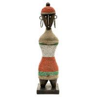 Boneca de Fertilidade, Namji, Camarões, Séc. XX, madeira, contas, metal, 8x31x8cm – CC20-138
