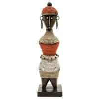 Boneca de Fertilidade, Namji, Camarões, Séc. XX, madeira, contas, metal, 8x29x8cm – CC20-139