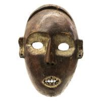 Máscara Yombe, Yombe, R.D. Congo, Séc. XX, madeira, pigmentos, 18x26x12cm – REF CC20-163