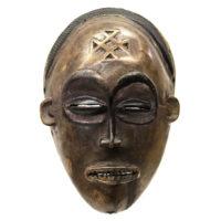 Máscara Mwana Pwo, Chokwe, R.D. Congo / Angola, Séc. XX, madeira, pigmentos, 16x24x9cm – REF CC20-162