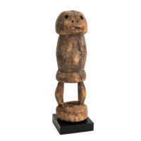 Figura Ritual, Losso, Togo, Séc. XX, madeira, 7x22x7cm – Ref CCT21-031 [COLECÇÃO CRUZES CANHOTO]