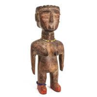 Figura Gemelar Venavi Feminina, Ewe, Gana, Séc. XX, madeira pintada, contas, 9x21x7cm – Ref CCT21-042