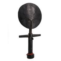 Boneca de Fertilidade Akuaba, Ashanti, Gana, Séc. XX, madeira, missangas, 17x41x5cm – Ref CC19-108