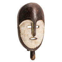 Máscara Nsembu, Kumu, R.D. Congo, Séc. XX, madeira, pigmentos, 21x44x11cm – Ref CCT21-025